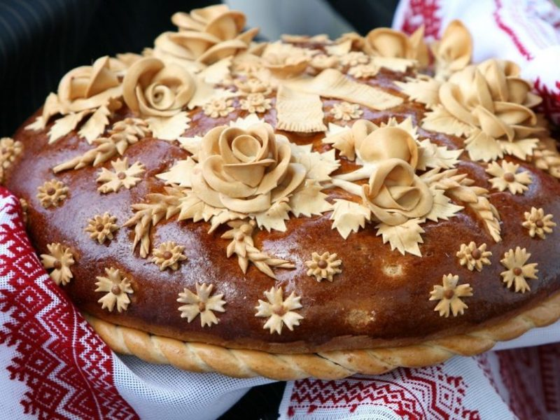 Ukrainian wedding bread korovai