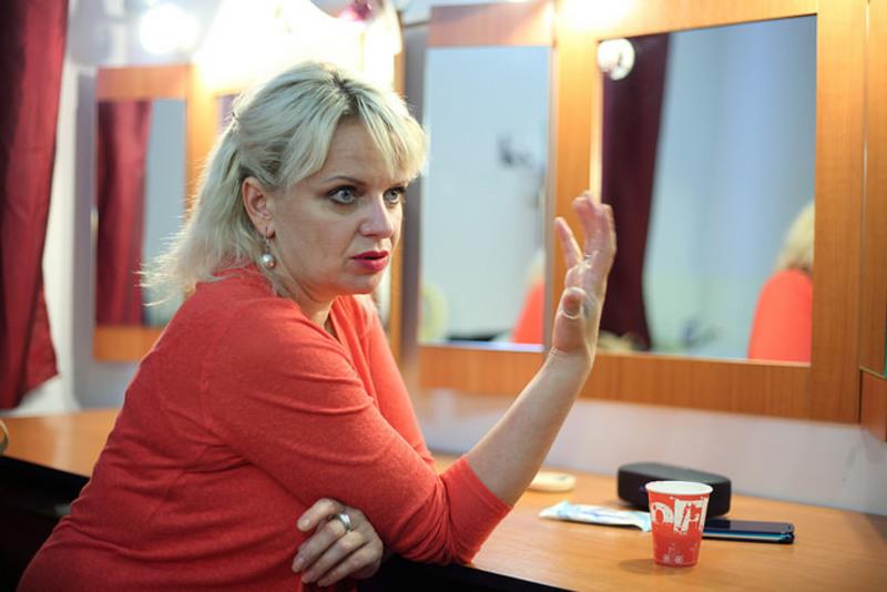 В країні, де є своя мова, я мушу вимагати говорити українською, - Ірма Вітовська