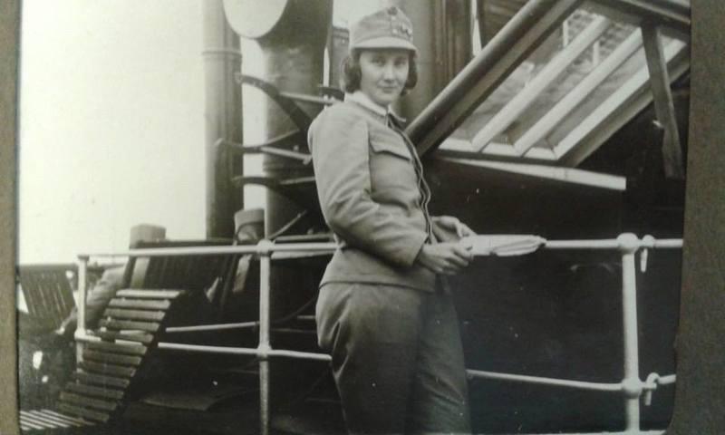 Унікальні фото першої жінки - офіцера в українських збройних формуваннях