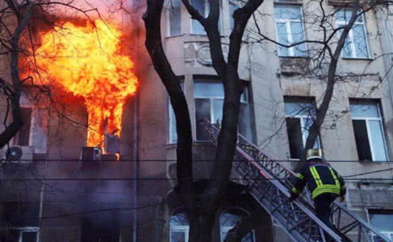 """""""Тату, я задихаюся"""". Смертельна пожежа в Одесі"""