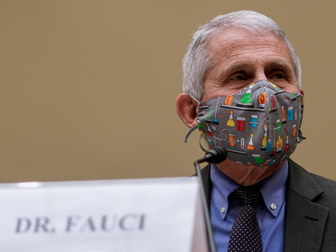 Доктор Фаучі: носіння масок може стати звичкою й після пандемії