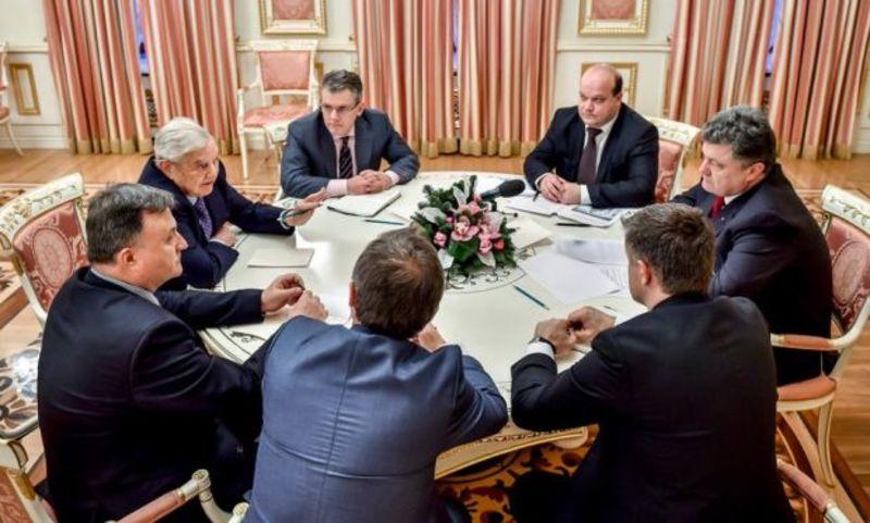 Порошенко обговорив з Соросом фінансову допомогу Україні
