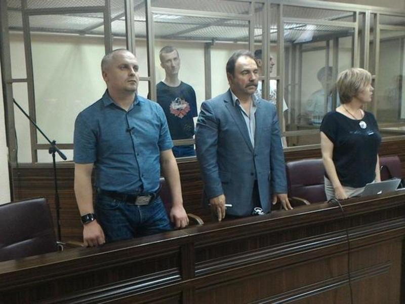 ЄС засудив вирок Сенцову і Кольченку і вимагає негайно звільнити їх