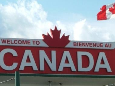Канада на місяць подовжила заборону на в'їзд іноземців