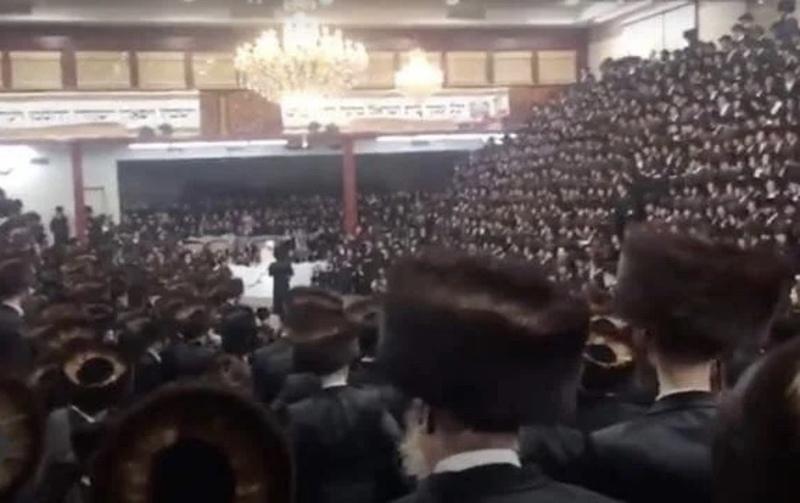 У Нью-Йорку на весілля таємно зібралися 7000 хасидів