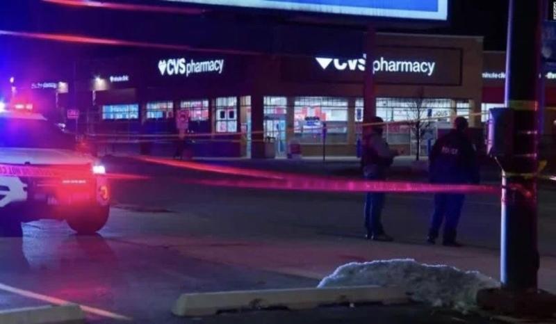 У Чикаго злочинець викрав автівку, пограбував магазин і застрелив чотирьох людей
