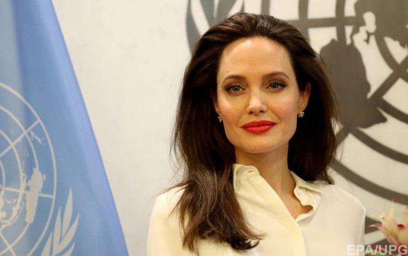 Анджеліна Джолі згадала Україну у статті про насильство над жінками
