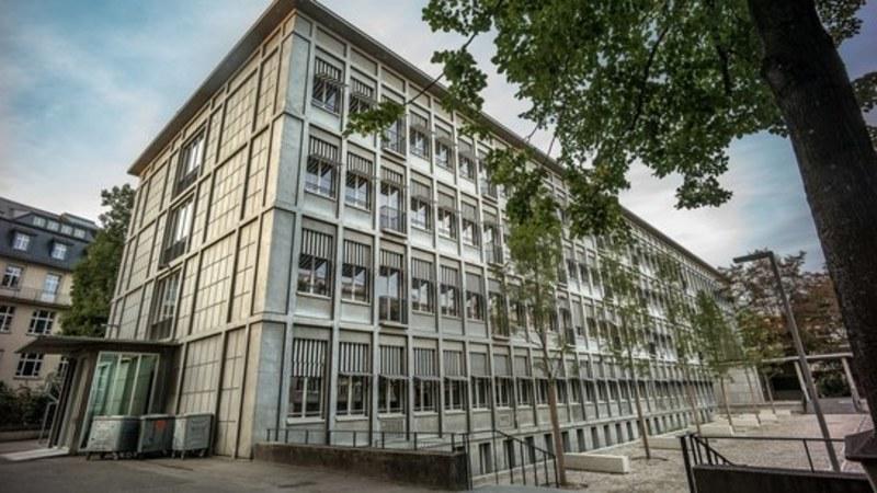 У Швейцарії учні підробили тести на COVID-19, щоб не ходити до школи