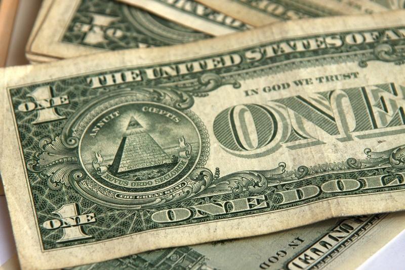 Зімбабве переходить на долари США