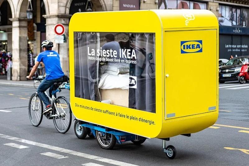 У Парижі IKEA запустила вагончики, в яких можна поспати після обіду