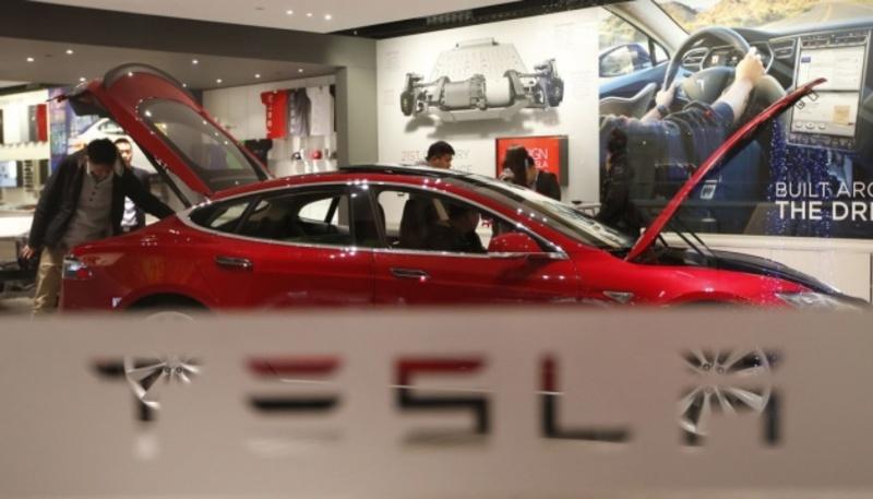 Маск заявив, що Tesla не продала жодного біткоїна
