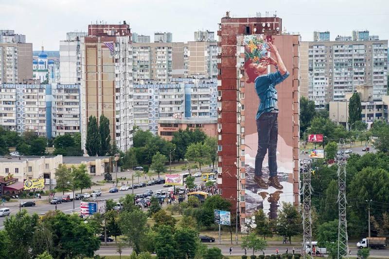 Всесвітньо відомий художник прикрасив Київ ще одним муралом