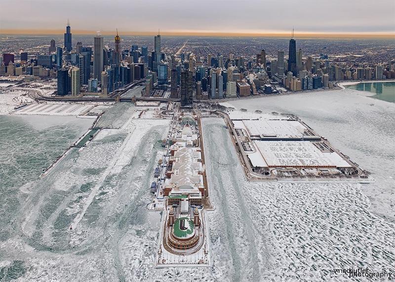 У Чикаго скасовані сотні авіарейсів