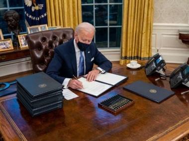 Байден скасував указ Трампа про відкриття кордонів США для мандрівників з ЄС
