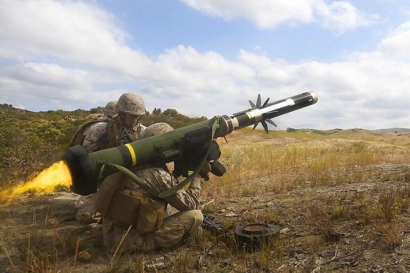 US approves sale of Javelin anti-tank missiles to Ukraine