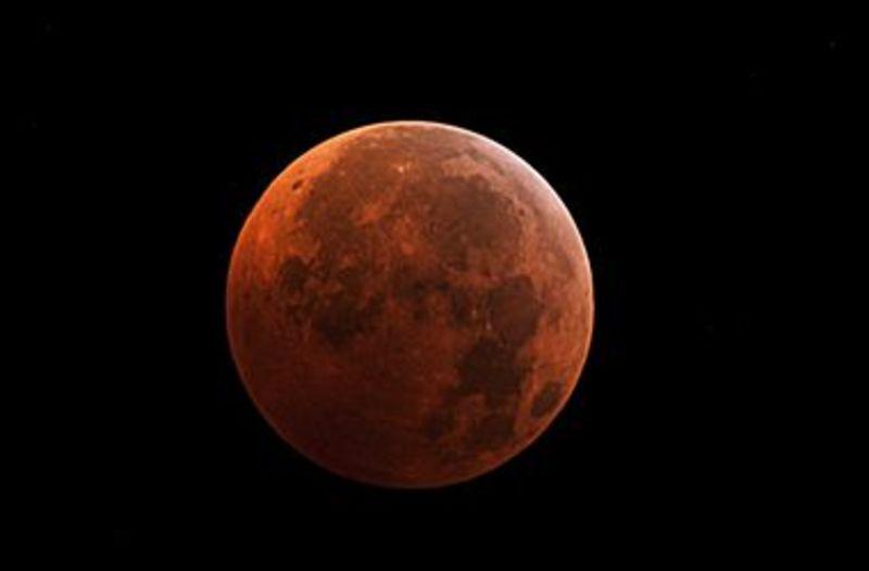 """""""Кривавий місяць"""" можна буде спостерігати в середу"""