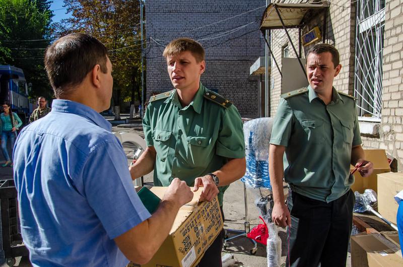 Діаспора зі США передала в Україну ще одну партію гумдопомоги