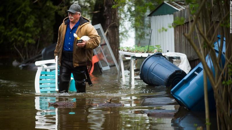 У Мічигані прорвало дві дамби: евакуйовано 10 тисяч людей