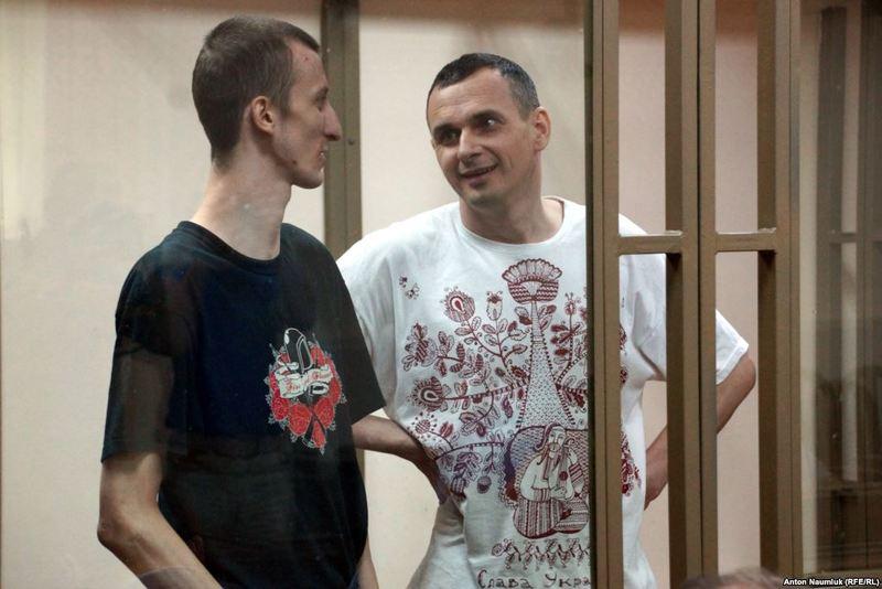 Порошенко нагородив Сенцова та Кольченка орденом «За мужність» І ступеня