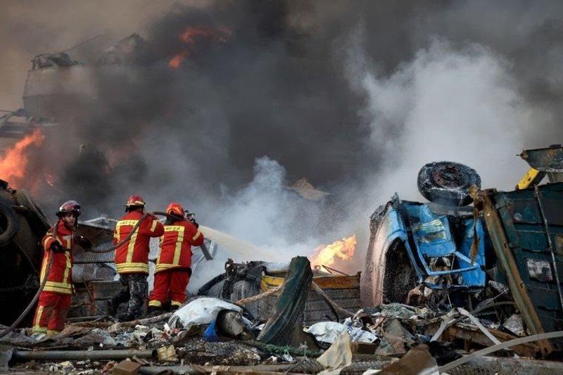 У столиці Лівану стався потужний вибух у порту