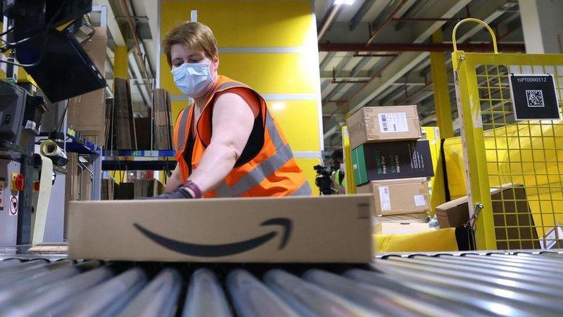 Amazon запровадила бонуси для працівників, що вчасно приходять на роботу