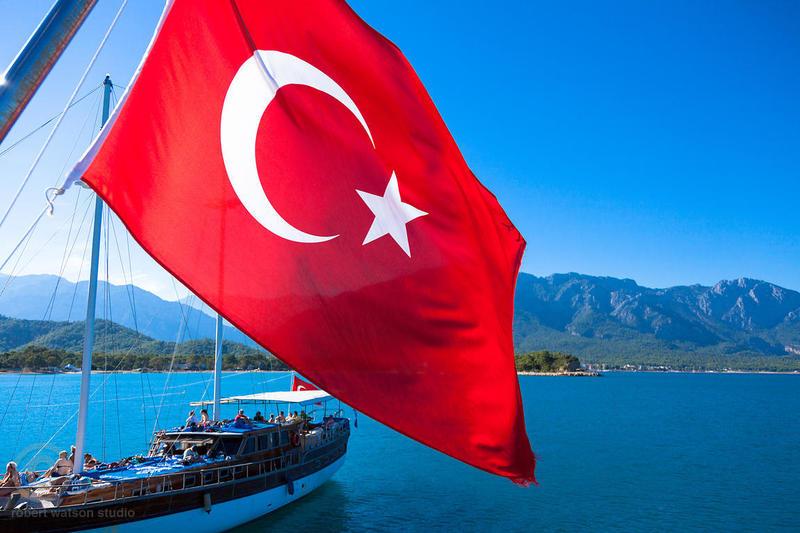 У Туреччині закрили понад 600 навчальних закладів