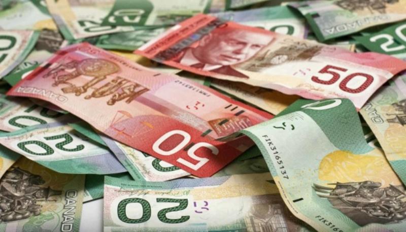 Канадці за час пандемії відклали рекордні заощадження