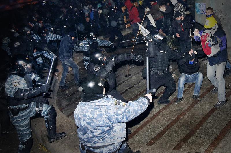З дня розгону студентів на Майдані минуло два роки
