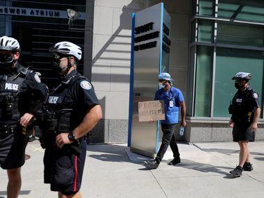 У Канаді поліціянти, які не вакцинуються, підуть у відпустку