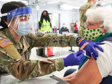 Смертність від коронавірусу у США – найнижча за 10 місяців