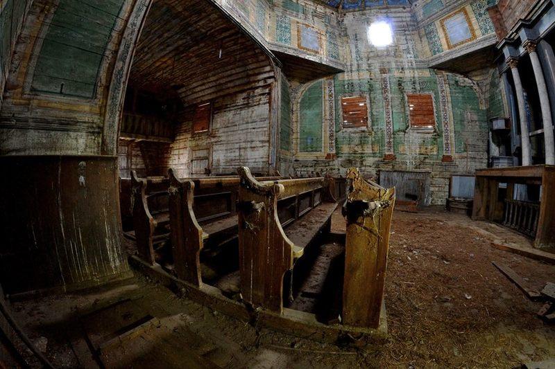 57 храмів-привидів: поляк фотографує залишені українцями церкви