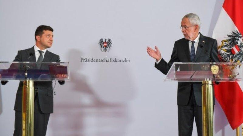 Зеленський: У нас немає відносин з Росією, є тільки початок діалогу