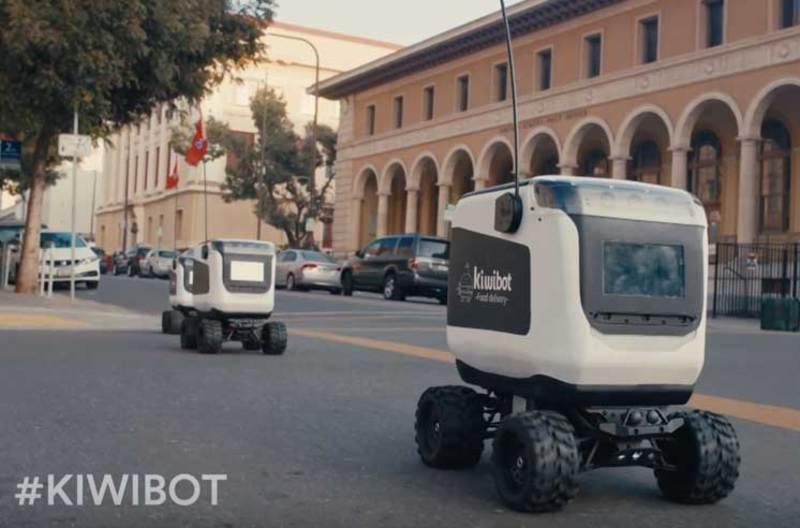 У Сакраменто тестують доставку їжі за допомогою роботів-кур'єрів