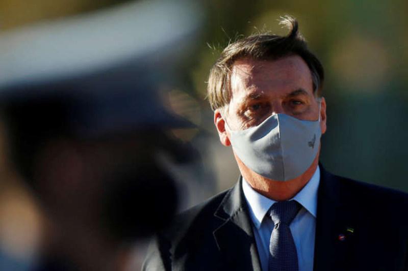 Президент Бразилії, який заперечував коронавірус, заразився Covid-19
