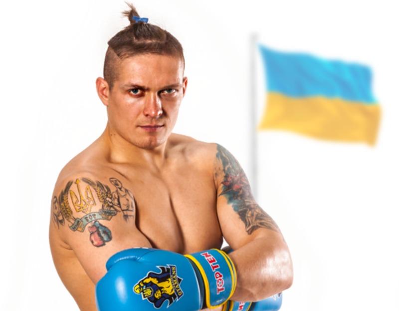 The Guardian назвала Усика новою культовою зіркою боксу