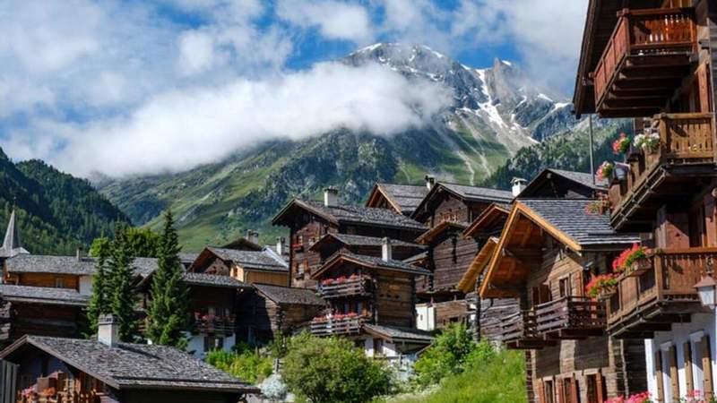 Швейцарія відкрила кордони для українців