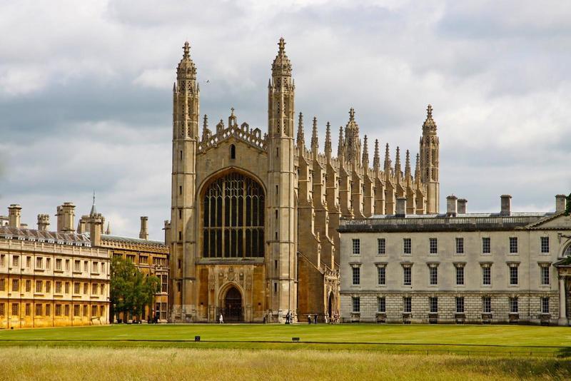 У Кембриджі замість російської мови безкоштовно вивчатимуть українську