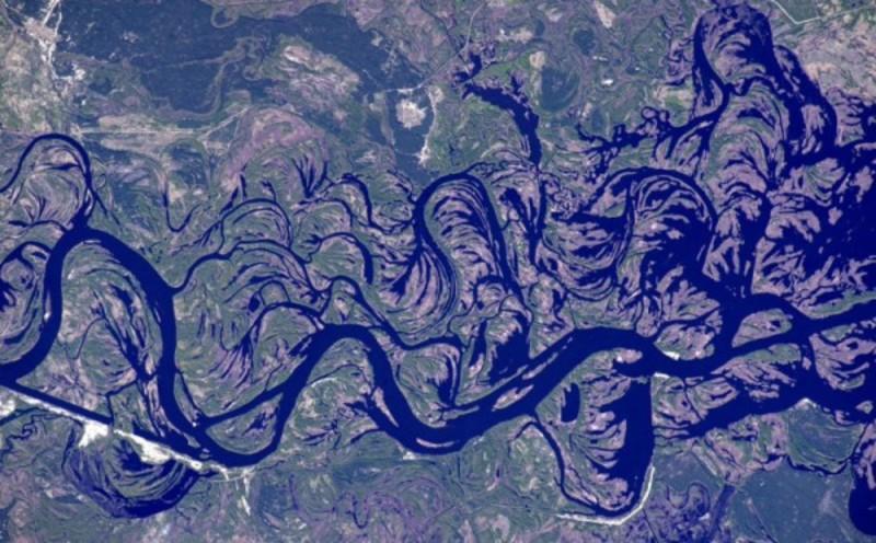 Астронавт NASA сфотографував чарівний Дніпро (фото)