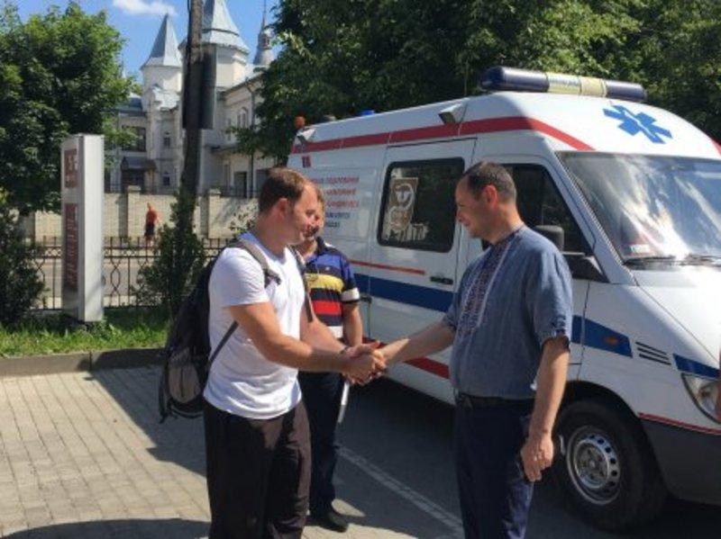 В Україну приїхали 17 лікарів зі США