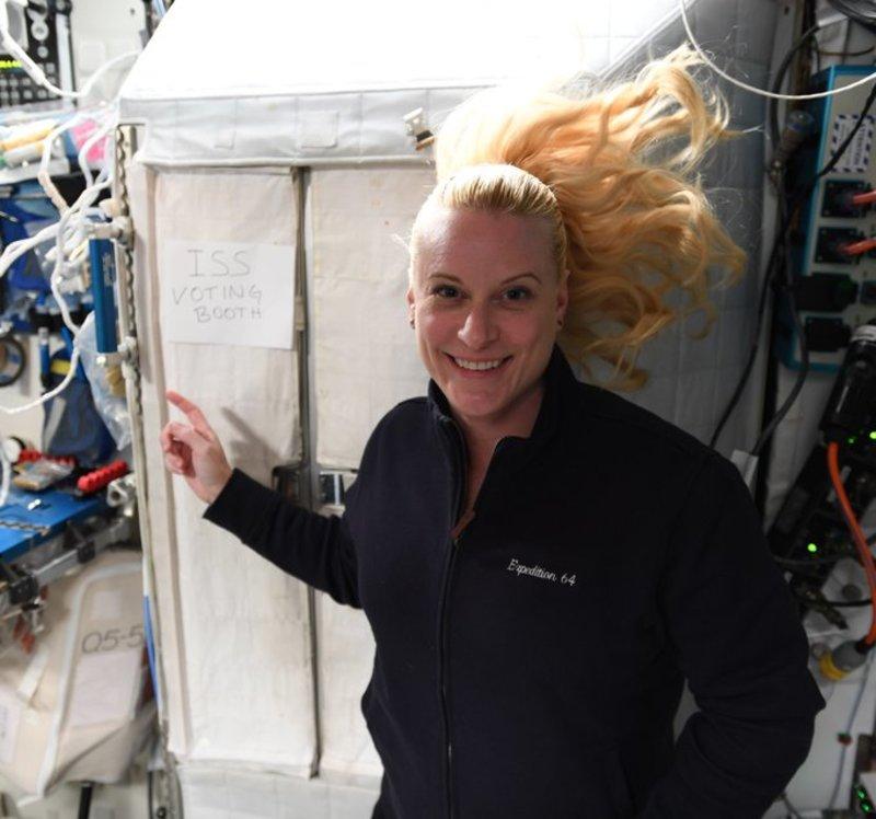 Астронавтка на МКС проголосувала за президента США