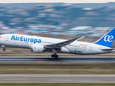 Через  українця без маски в Іспанії екстрено посадили літак