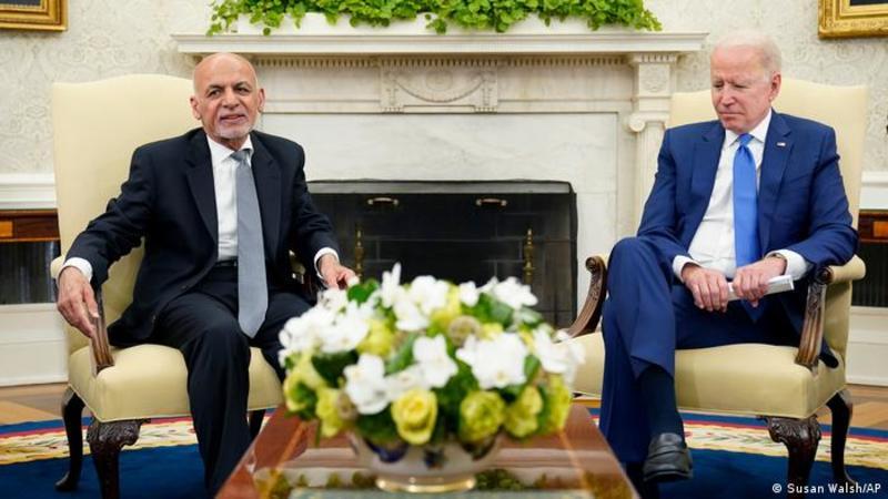 Джо Байден провів телефонні переговори з президентом Афганістану