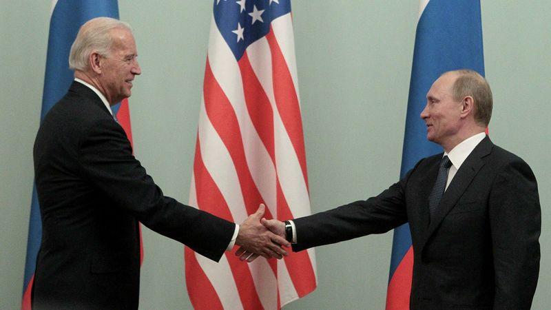 Байден та Путін можуть зустрітися влітку