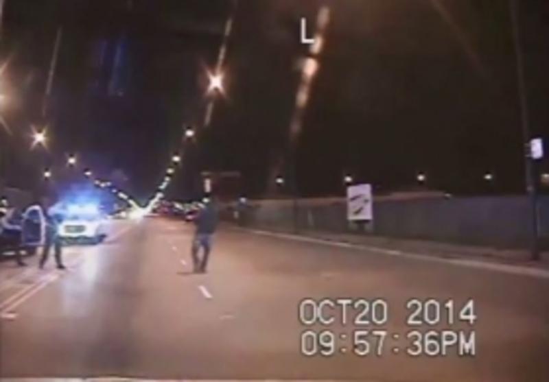 Вбивство поліцейським чорношкірого юнака викликало протести в Чикаго (відео)