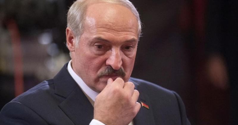 Лукашенко відмовився від частини президентських повноважень
