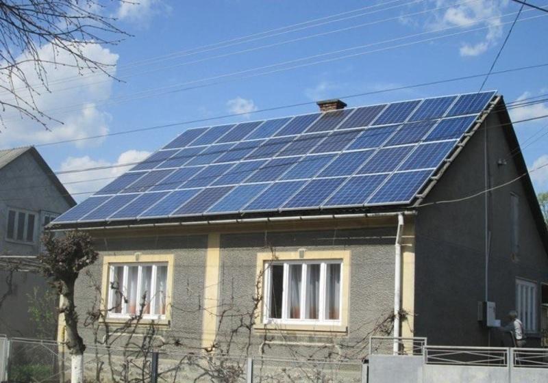Українець побудував домашню сонячну електростанцію