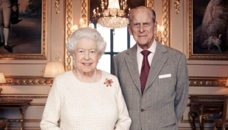 Королева Єлизавета II і принц Філіп святкують 73-ю річницю весілля