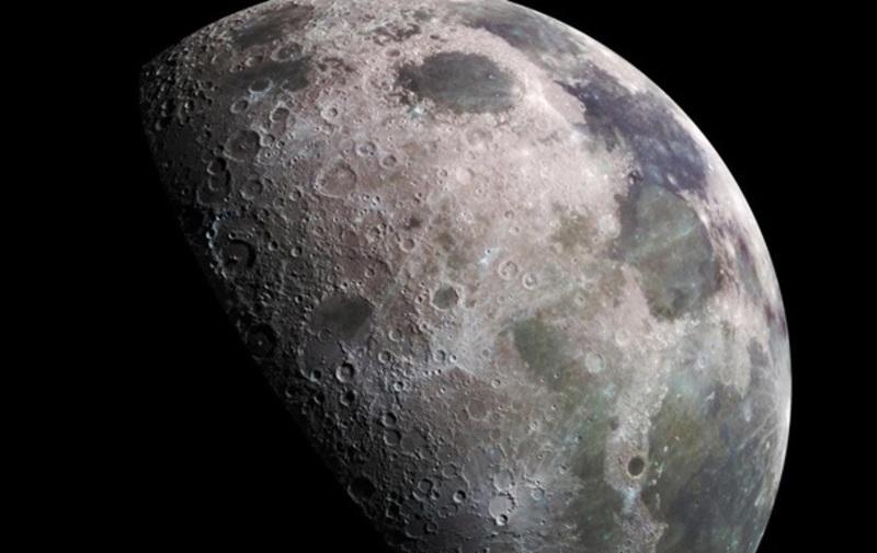 NASA підтвердило наявність води на Місяці