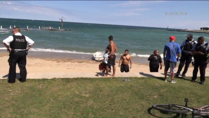 Чоловік загинув, намагаючись врятувати дівчинку з озера Мічиган