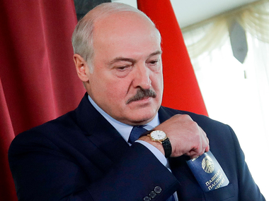Студенти КНУ ім. Шевченка вимагають позбавити Лукашенка звання почесного доктора